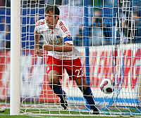 0261940 © Granger - Historical Picture ArchiveRAFAL VAN DER VAART .   Rafal van der Vaart - Midfielder, Hamburger SV, Netherlands - running out of the goal after scoring the winning goal in the Bundesliga match against 1. FC Nuernberg (1:0) - 22.09.2007 *** Local Caption *** 00937878. Team 2 - ullstein bild / Granger, NYC -- All rights reserved