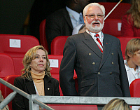 0262174 © Granger - Historical Picture ArchiveMICHAL A. ROTH .   Michal A. Roth - president, 1. FC Nuernberg, D: with wife Angie in the stand - 02.06.2007 *** Local Caption *** 00925094. Team 2 - ullstein bild / Granger, NYC -- All Rights Reserved.