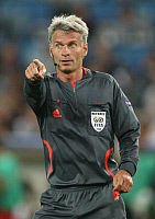 0262719 © Granger - Historical Picture ArchiveSWITZERLAND .   Switzerland - Basel: UEFA EURO 2008 - Quarter-Final, Portugal v Germany 2:3 - Swedish referee Peter Froejdfeldt - 19.06.2008 *** Local Caption *** 00993997. contrast/Behrend - ullstein bild / Granger, NYC -- All rights reser
