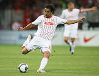 0262938 © Granger - Historical Picture ArchiveHUEZEYFE DOGAN.   Dogan, Huezeyfe - Soccer, Midfielder, 1. FC Union Berlin, Germany - in action on the ball - 08.07.2009. Pollack / contrast - ullstein bild / Granger, NYC -- All Rights Reserved.