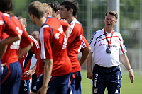 0263433 © Granger - Historical Picture ArchiveLOUIS VAN GAAL.   Gaal, Louis van - Soccer, Coach, FC Bayern Muenchen, The Netherlands - watching his players during training session - 02.07.2009. Sven Simon - ullstein bild / Granger, NYC -- All Rights Reserved.