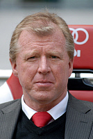 0264182 © Granger - Historical Picture ArchiveSTEVEN MCCLAREN.   McClaren, Steven - Trainer of FC Twente Enschede, Great Britain - 23.06.2009. Wareham / CARO - ullstein bild / Granger, NYC -- All rights reserved.
