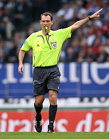 0264238 © Granger - Historical Picture ArchiveFLORIAN MEYER.   Meyer, Florian - Soccer, Referee, Germany - 02.09.2007. - ullstein bild / Granger, NYC -- All rights re