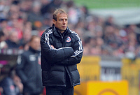 0264345 © Granger - Historical Picture ArchiveJUERGEN KLINSMANN.   Klinsmann, Juergen - Soccer, Coach, FC Bayern Munich, Germany - with his arms folded during Bundesliga match against 1. FC Koeln (1:2) - 21.02.2009. - ullstein bild / Granger, NYC -- All rights reserved.