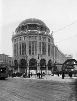 0265292 © Granger - Historical Picture ArchiveBERLIN: HAUS VATERLAND.   The Haus Potsdam (later the Haus Vaterland) on Potsdamer Platz in Berlin, Germany. Photograph, 1911. Full credit: Haeckel Archiv - ullstein bild / Granger, NYC -- All rights reserved.