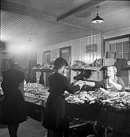 0419885 © Granger - Historical Picture ArchiveFARMERS' MARKET, 1942.   Produce stand at a farmers' market in Lititz, Pennsylvania. Photograph by Marjory Collins, November 1942.