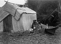 0170268 © Granger - Historical Picture ArchiveSKOKOMISH DWELLING, c1913.   A dwelling made out of woven mats, of the Skokomish tribe in the western United States. Photograph by Edward Curtis, c1913.