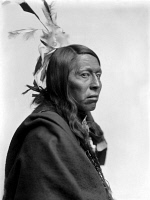 0324343 © Granger - Historical Picture ArchiveFLYING HAWK (1854-1931).   Oglala Sioux chief. Photograph by Gertrude Käsebier, c1900.