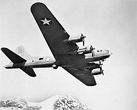 0028713 © Granger - Historical Picture ArchiveB17 FLYING FORTRESS.   A World War II Boeing B17 'Flying Fortress' bomber aircraft.