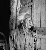 0124104 © Granger - Historical Picture ArchiveTEXAS: FREEDMAN, 1936.   A former Texan slave from San Antonio that came to Carrizo Springs in 1865 with Caucasian men including his master who was one of the first settlers during the Civil War, seeking new range for their cattle. Photograph by Dorothea Lange, August 1936.