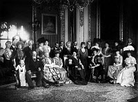 0353378 © Granger - Historical Picture ArchiveROYAL FAMILIES, 1906.   Emperor Wilhelm II standing behind King Edward VII of England with members of the British, German, Danish, Russian, and Spanish royal families. Photograph, 1906.