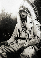 0323528 © Granger - Historical Picture ArchiveEDWARD VIII (1894-1972).   King of England, 1936. Photographed wearing a costume of the Stoney Cree First Nation group during his visit to Alberta, Canada, 1919. Full credit: Spaarnestad - Rue des Archives / Granger, NYC -- All rights reser