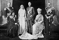 0085134 © Granger - Historical Picture ArchiveROYAL WEDDING PORTRAIT.   Wedding portrait of the Duke and Duchess of York (the future King George VI of England and Queen Elizabeth) with their parents, the Earl and Countess of Strathmore (left) and Queen Mary and King George V of England. Photograph, April 1923.