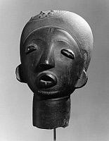 0260295 © Granger - Historical Picture ArchiveGHANA: FUNERARY HEAD.   Terracotta funerary head made by the Akan people from Ghana, c17th century.