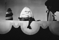 0087998 © Granger - Historical Picture ArchiveALICE IN WONDERLAND, 1933.   W.C. Fields as Humpty Dumpty in the 1933 film version of 'Alice in Wonderland.'
