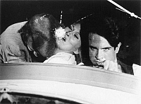 0060634 © Granger - Historical Picture ArchiveFILM: BONNIE AND CLYDE.   (Left to right): Michael Pollard, Faye Dunaway, and Warren Beatty, 1967.