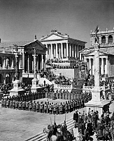 0088936 © Granger - Historical Picture ArchiveFALL OF THE ROMAN EMPIRE.   A scene in the Roman Forum from the 1964 film, 'The Fall of the Roman Empire.'
