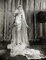 0048754 © Granger - Historical Picture ArchiveFILM: FAIR LADY, 1922.   Betty Blythe.