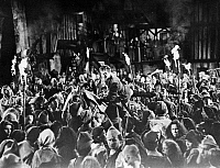 0073542 © Granger - Historical Picture ArchiveSILENT FILM STILL: CROWDS.