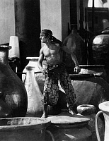 0174583 © Granger - Historical Picture ArchiveTHIEF OF BAGDAD, 1924.   Douglas Fairbanks in 'The Thief of Bagdad,' directed by Raoul Walsh, 1924.