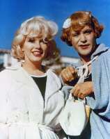 0117752 © Granger - Historical Picture ArchiveSOME LIKE IT HOT, 1959.   Marilyn Monroe and Jack Lemmon in a scene from the film 'Some Like It Hot,' 1959.