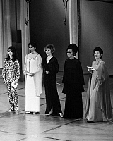 0123192 © Granger - Historical Picture ArchiveACADEMY AWARDS, c1970.  From left: Natalie Wood, Ingrid Bergman, Jane Fonda, Diahann Carroll and Rosalind Russell at the Oscars, c1970.