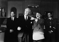 0170219 © Granger - Historical Picture ArchiveFILM: HAMSUN, 1996.   Swedish actor Max von Sydow as Norwegian writer Knut Hamsun (center, left) with Ernst Jacobi as Adolf Hitler in the film, 'Hamsun,' directed by Jan Troell, 1996.