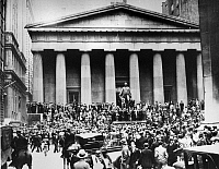 0216499 © Granger - Historical Picture ArchiveWALL STREET CRASH, 1929.   Crowds gathered on the steps of the Sub-Treasury Building (on the site of the former Federal Hall) across from the New York Stock Exchange on 'Black Thursday,' 24 October 1929.
