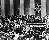 0216500 © Granger - Historical Picture ArchiveWALL STREET CRASH, 1929.   Crowds gathered on the steps of the Sub-Treasury Building (on the site of the former Federal Hall) across from the New York Stock Exchange on 'Black Thursday,' 24 October 1929.