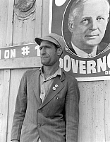 0117452 © Granger - Historical Picture ArchiveCOTTON STRIKER, 1938.   Migrant farmer and union member who led the 'Flying Squadron,' which attempted to picket large corporate cotton fields with automobile caravans in Kern County, California. Photograph by Dorothea Lange, 1938.