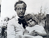 0365219 © Granger - Historical Picture ArchiveLITERATURE.   The composer Bela Bartok (1881-1945) with the first son Bela, United States, 1942. Full Credit: De Agostini / A. Dagli Orti / Granger, NYC -- All rights reserved.