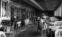 0074267 © Granger - Historical Picture ArchiveTITANIC: PARISIAN CAFE, 1912.   The Parisian Cafe of the