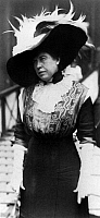 0167424 © Granger - Historical Picture ArchiveMARGARET 'MOLLY' BROWN   (1867-1932). The 'Unsinkable' Molly Brown. American socialite, philanthropist, activist and survivor of the 'Titanic.' Photographed during an award ceremony for the captain of the 'Carpathia,' May 1912.