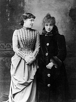 0117117 © Granger - Historical Picture ArchiveSARAH BERNHARDT (1844-1923).   French actress. Photographed with British actress Lillie Langtry in c1887.