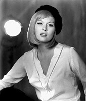 0066977 © Granger - Historical Picture ArchiveFAYE DUNAWAY (1941- ).  American actress. Dunaway in a publicity photo for the film 'Bonnie and Clyde,' 1967.