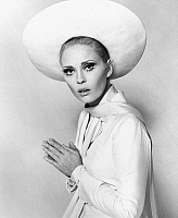 0066979 © Granger - Historical Picture ArchiveFAYE DUNAWAY (1941- ).   American actress.