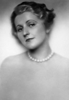 0526517 © Granger - Historical Picture ArchiveFRIEDL HAERLIN (1901-1981).   German actress. Photograph, c1930.