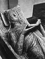 0013362 © Granger - Historical Picture ArchiveELEANOR OF AQUITAINE   (c1122-1204). Queen of King Louis VII of France and of King Henry II of England. Late 12th century stone tomb effigy in the Abbey of Fontevrault (Maine-et-Loire), France.