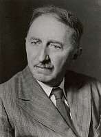 0037716 © Granger - Historical Picture ArchiveE. M. FORSTER (1879-1970).   English novelist. Photographed in 1947.