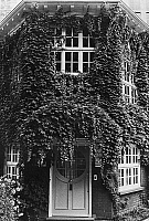 0064908 © Granger - Historical Picture ArchiveFREUD'S HOUSE IN HAMPSTEAD.   The entrance to the house in Maresfield Gardens in Hampstead, London, England, where Austrian psychoanalyst Sigmund Freud lived during the last year of his life, 1938-39, and which later became the Freud Museum.