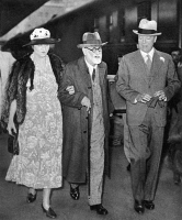 0066132 © Granger - Historical Picture ArchiveSIGMUND FREUD (1856-1939)   changing trains in Paris on his way from Vienna to London 4 June 1938. He is accompanied by Marie Bonaparte and William Bullitt, the U.S. ambassador.