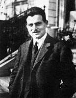 0016178 © Granger - Historical Picture ArchiveERNEST HEMINGWAY   (1899-1961). American writer. Photographed in Paris, 1922.
