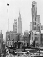 0623475 © Granger - Historical Picture ArchiveALVIN 'SHIPWRECK' KELLY   (c1893-1952). American stunt actor and champion flagpole sitter. Kelly seated atop a 65 foot flagpole on a 15 story hotel in Times Square, New York City. Photograph, 1939.