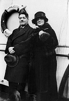 0124957 © Granger - Historical Picture ArchiveFRITZ KREISLER (1875-1962).   American (Austrian born) violinist and composer. Photographed with his wife, early 20th century.