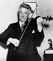 0174897 © Granger - Historical Picture ArchiveFRITZ KREISLER (1875-1962).   American (Austrian-born) violinist and composer. Photographed during a performance in London, England, 1934.