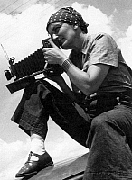 0015934 © Granger - Historical Picture ArchiveDOROTHEA LANGE (1895-1965).   American photographer. Photograph by Paul Taylor, 1934.