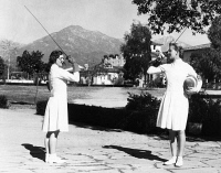 0526732 © Granger - Historical Picture ArchiveHELENE MAYER (1910-1953).   German fencer. Photograph, 1934.