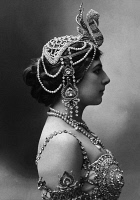 0528786 © Granger - Historical Picture ArchiveMATA HARI (1876-1917).   Margaretha Geertruida Zelle. Dutch dancer and spy. Photograph, c1910.