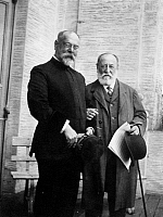 0124986 © Granger - Historical Picture ArchiveSOUSA & SAINT-SAENS, c1915.   American composer John Philip Sousa (left) with French composer and pianist Camille Saint-Saens. Photograph, c1915.