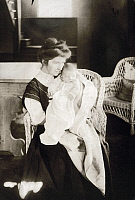 0115141 © Granger - Historical Picture ArchiveMARGARET SANGER (1879-1966).   Margaret Higgins Sanger. American founder of birth control movement. Photographed in 1908 with her son Grant.